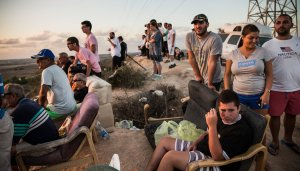 Israelis Watch the Bombing of Gaza in Sderot Andrew Burton Getty Images