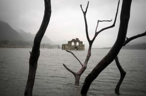 Colonial church emerging from a receding reservoir in Mexico. Photo, David Von Blohn, STR.