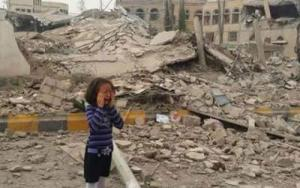 Yemeni child cries at a site of a Saudi air strikes, Sept 2015. Source Al Jazeera.
