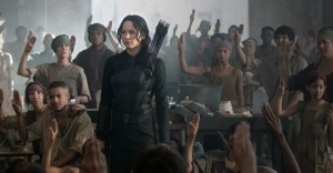 jennifer-lawrence-as-catniss-in-the-hunger-games-photo-still-from-movie
