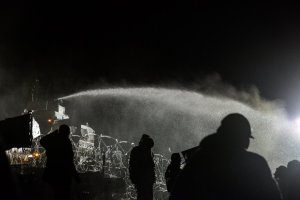 water-cannons-used-on-water-protectors-at-standing-rock-sioux-in-subfreezing-temperatures-source-twitter